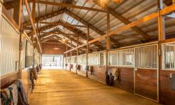 facility-barn